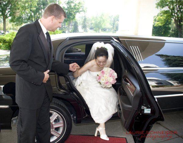 brideblackweddinglimo2big