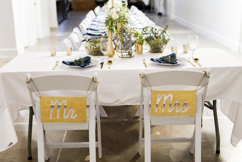 Ronin 1 newlywed chairs