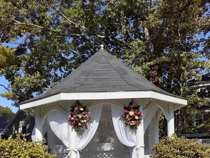 Tmx Gazebo Flowers 51 684575 1571421648 Hampton, NH wedding venue