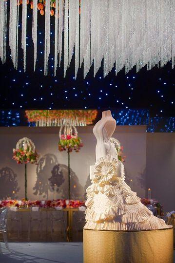 Wedding cake setting