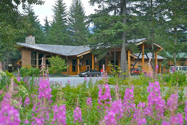 Seward Windsong Lodge is in the forest setting of the Resurrection River Valley.