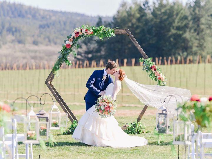 Tmx Dsc 3248 51 1509575 1567114739 Hillsboro, OR wedding florist