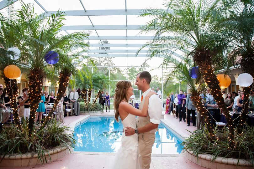 knickerbocker wedding pool couple