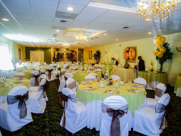 Tmx Garden Room 6 51 65675 V1 Clark, New Jersey wedding venue