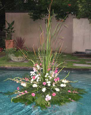07FloatingPoolArrangementweb