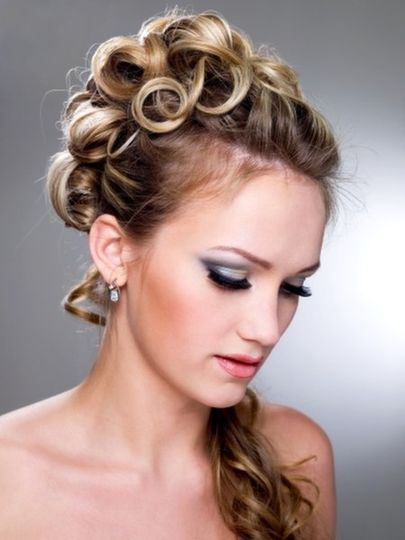 Glamorous bride by Maria