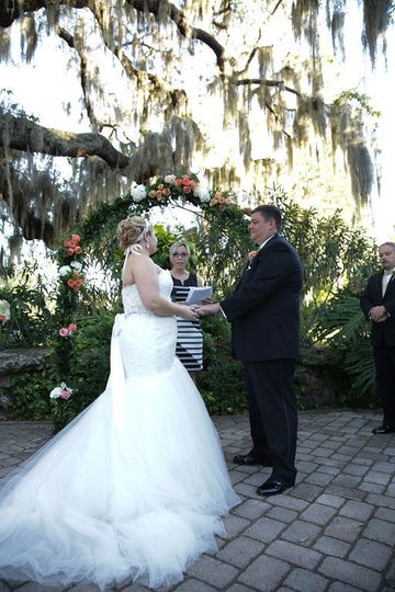 Outdoor autumn wedding in orlando, florida