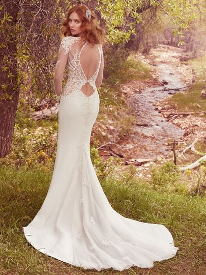 Backless with lace details