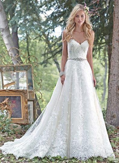 All lace dress