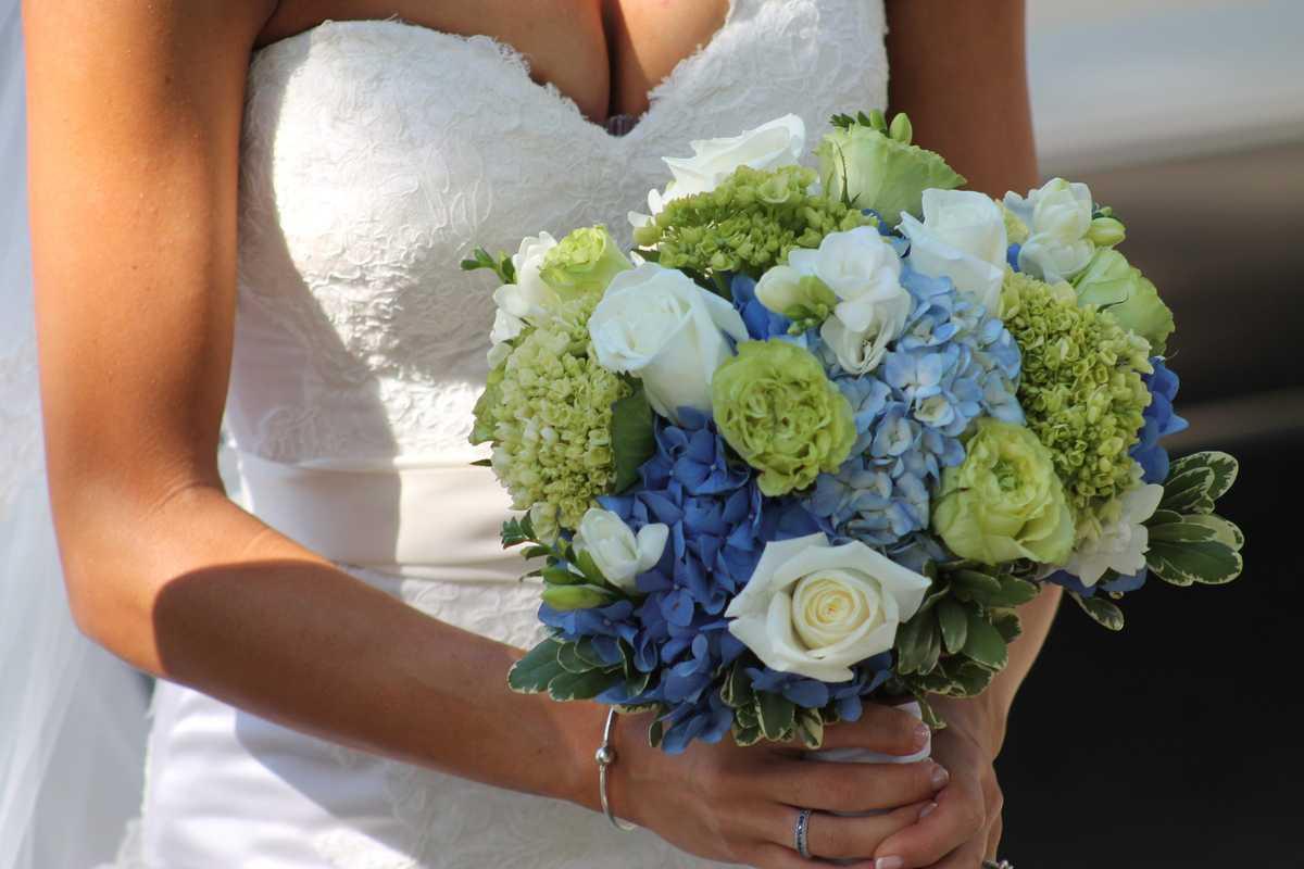 Wedding Flowers by Nichole
