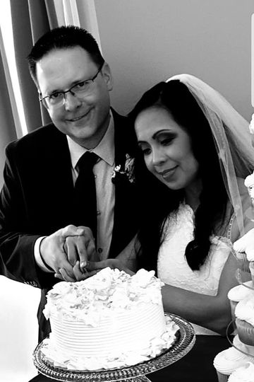 Couple cut the cake
