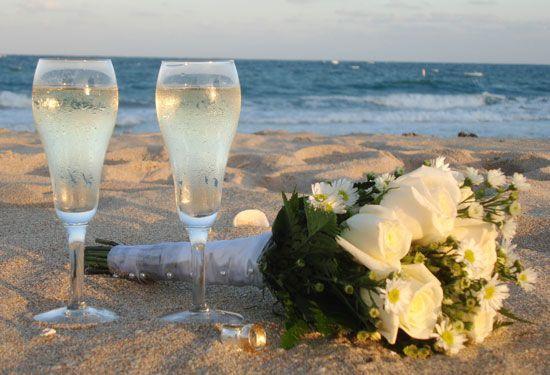 402a96d637610229 Sea Watch Champagne on beach