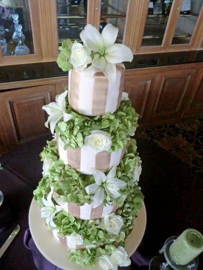 Gold Stipped wedding cake