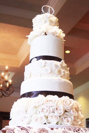 White Floral & Stenciled wedding cake