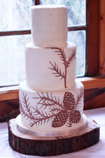 Pineconeweddingcake