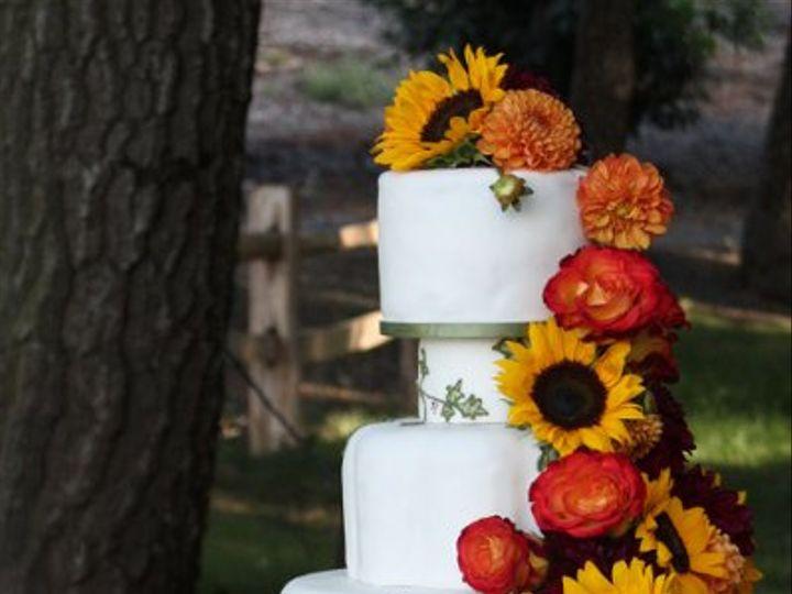 Tmx 1315684861923 Sunflowerweddingcake Moorpark wedding cake