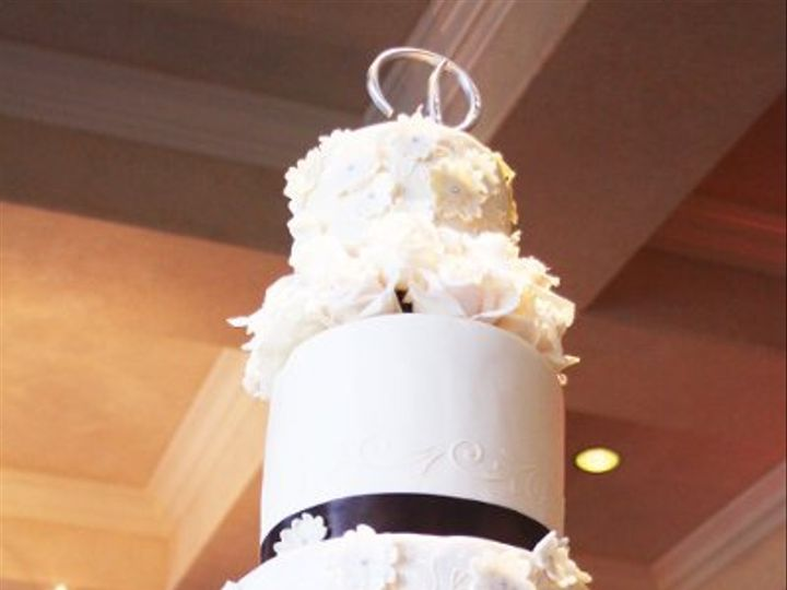 Tmx 1320010103984 WeddingCakeedited1 Moorpark wedding cake