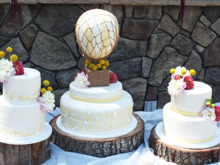 Tmx 1344735167984 HotAirBalloonWeddingCake Moorpark wedding cake