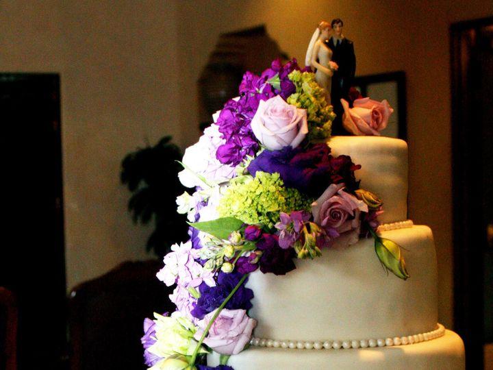 Tmx 1393366490461 Knobby Tire Wedding Cak Moorpark wedding cake