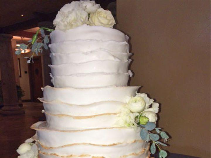 Tmx 1498060278977 Wedding Gold Tips Moorpark wedding cake