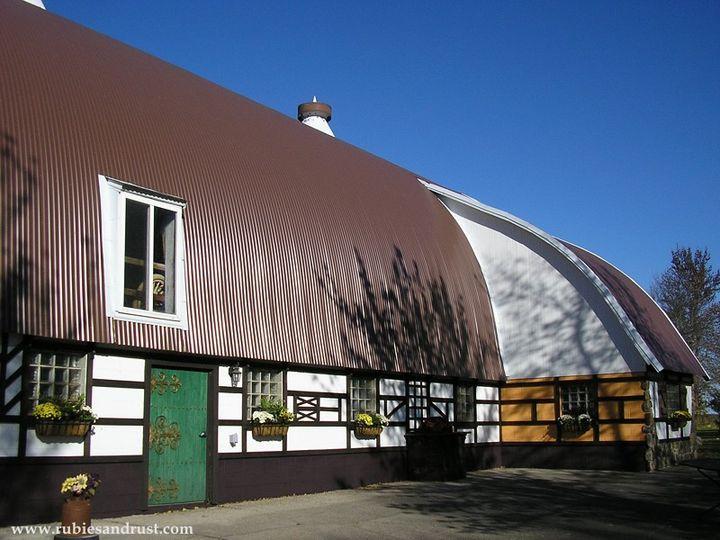 Rubies & Rust Wedding Barn