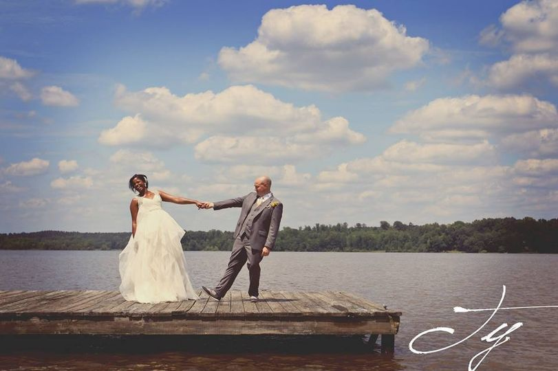Partial planning and Day-Of Coordination. Erica + Andrew got married at Lake Oconee. Photo by Ty...