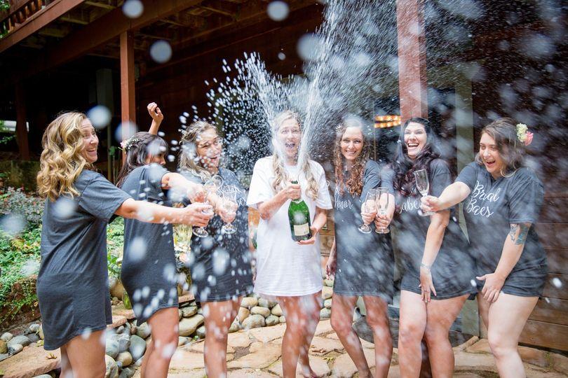 Champagne pop!