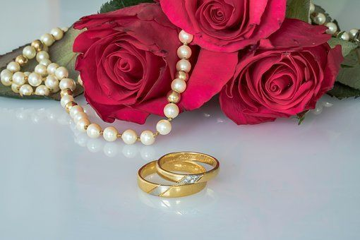 90e12a69dd6f41e2 wedding rings 2248305 340 STOCK PHOTO FREE USE THIS ONE