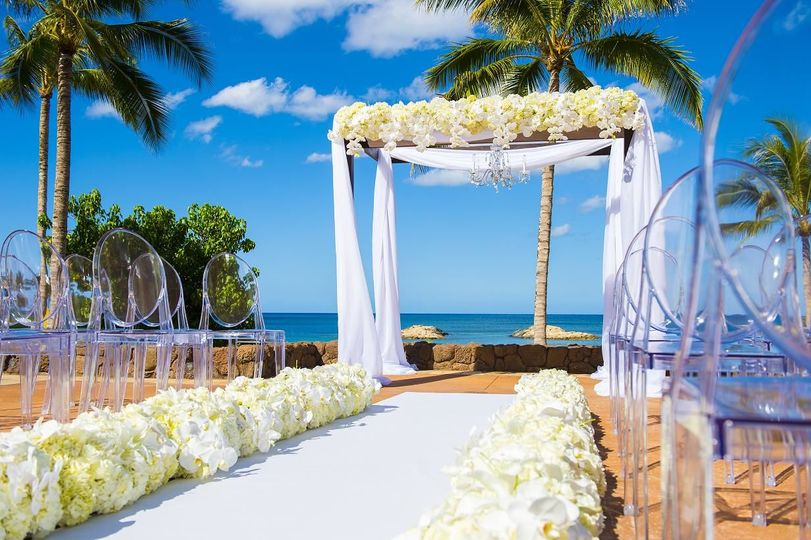 Beachfront ceremony on the 'ama'ama patio