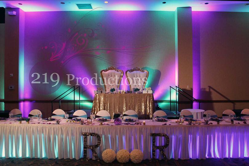 800x800 1480640842179 radisson uplighting mardi gras peacock purple gree