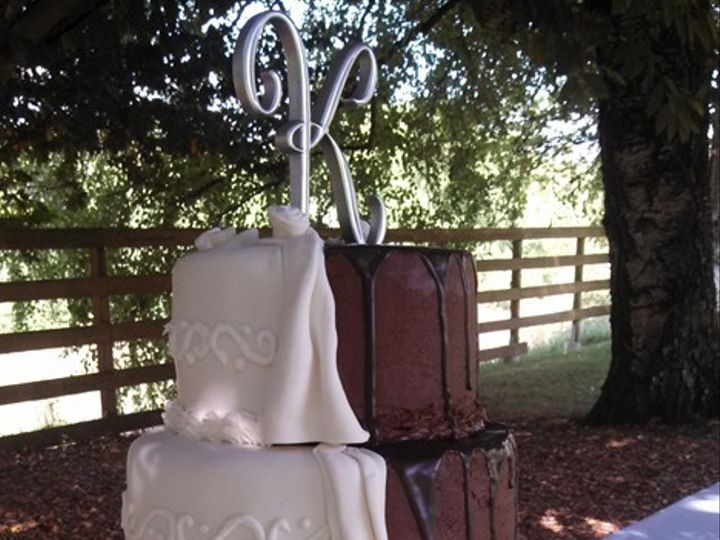 Tmx 1376329442729 Img20130811154859357 Lebanon wedding cake