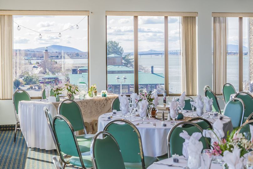 head table with view full 51 172085