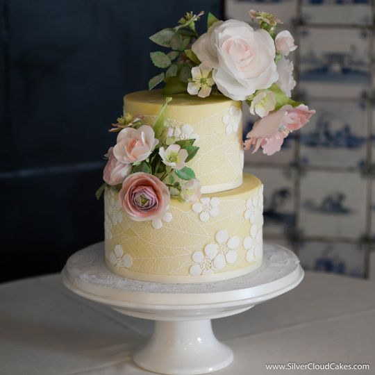 Handcrafted edible wafer paper roses and ranunculus