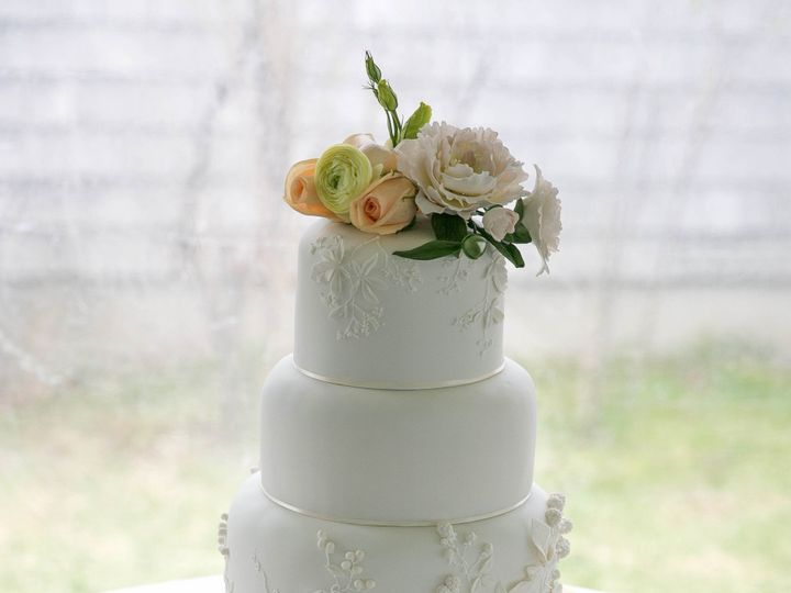 Tmx 1449434302086 White On White Applique Straightened Thumbnail 1 2 Manchester, Massachusetts wedding cake
