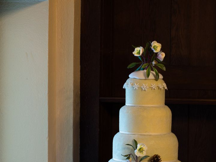 Tmx 1453666844043 Christmas Rose Snowflakes Wedding Cake On Sleigh Manchester, Massachusetts wedding cake