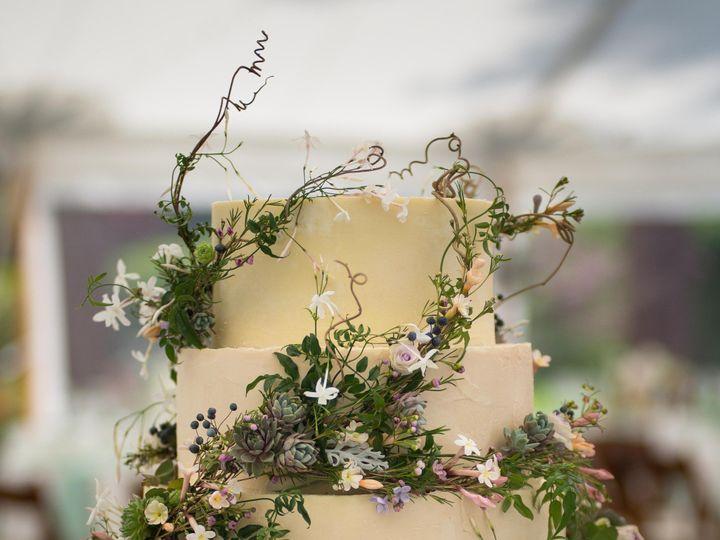 Tmx Dsc 5666 51 584085 1558807760 Manchester, Massachusetts wedding cake