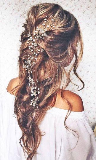 Romantic wedding hairstyle