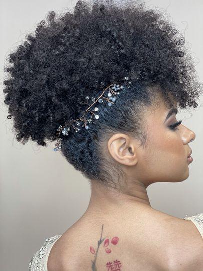 Elegant hair accessories