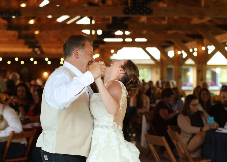 Father_daughter dance in pavil