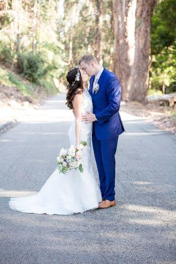 Couples post wedding photography -  on Chaminade Lane (c)DeJoyPhotography
