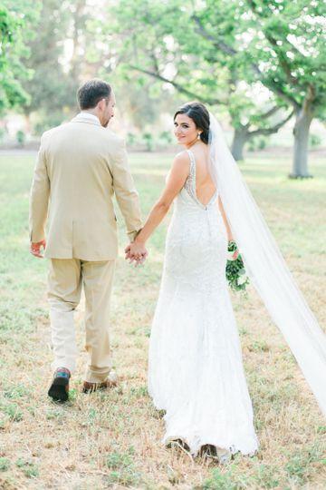 05e6305f7dfa1b48 1442976203981 katelyn greg wedding bride groom 0138