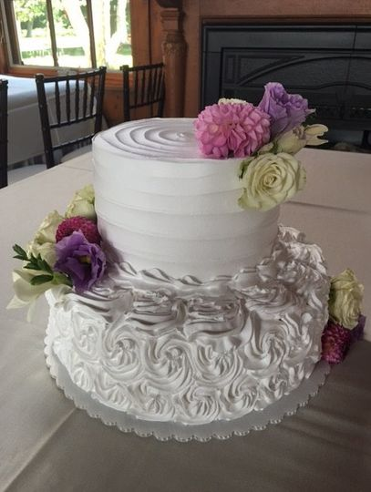 Two tier cake with flowers
