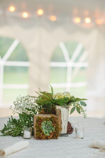Leafy centerpieces
