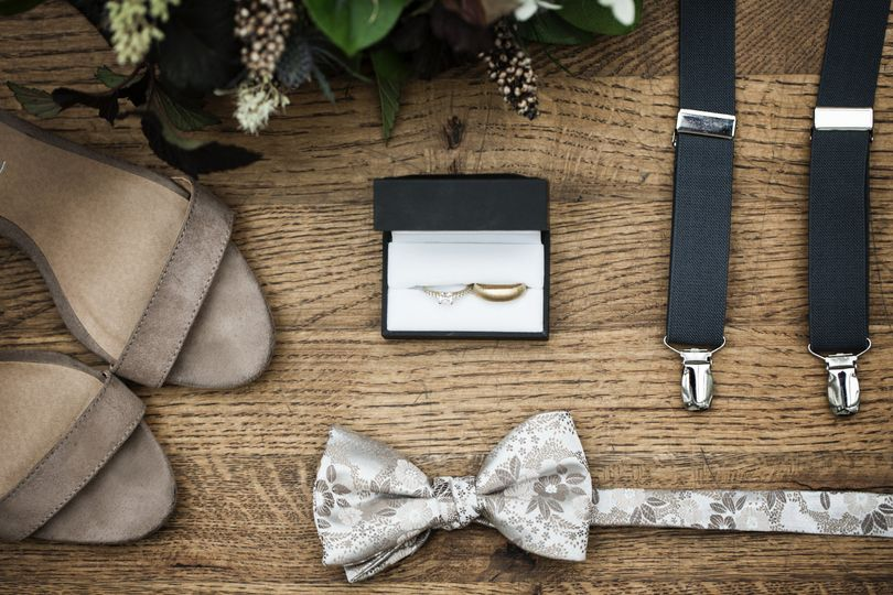 Newlyweds' rings and accessories