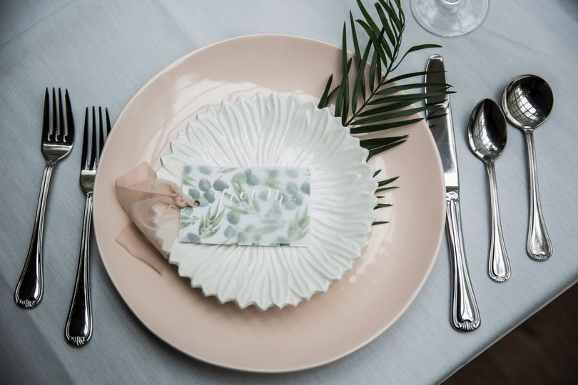 Table setting and cutlery