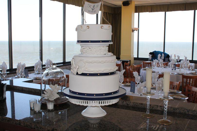 Round wedding cake