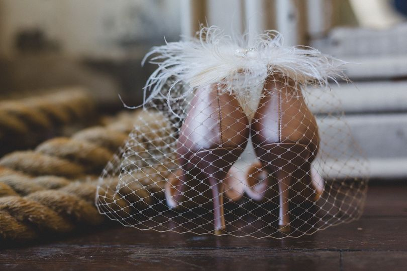 Details of shoes and veil