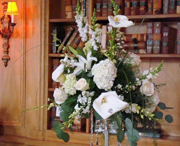 Tmx 1320166047233 Fullarrangementwithmonogram Babylon wedding florist