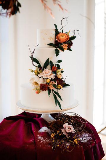 Stunning fall wedding cake