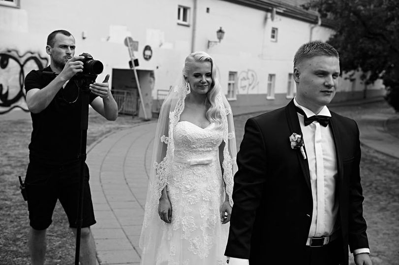 gruvi media dirba vestuvse